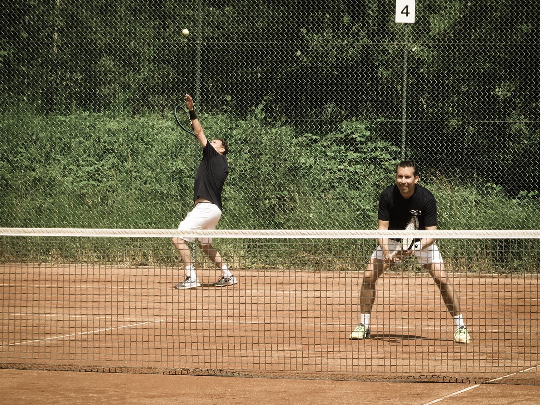 Read more about the article Aufstieg in die 2. Liga! Letzte Runde beim TC Kilchberg